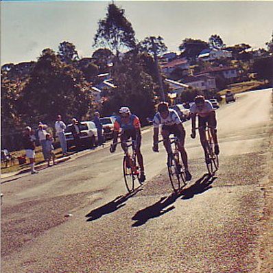 Shayne at the 1989 Metro Road Championships (Dayboro, Winn Rd block x 2), breakaway companions Nick Formosa and Ian